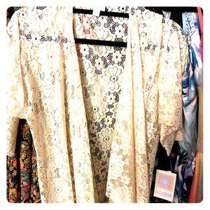 Lularoe cream lace Shirley Bnwt Small